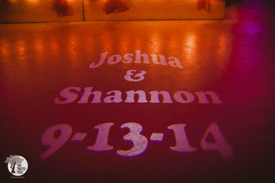 Shannon_Josh_sneak_0026__7TB1020.jpg