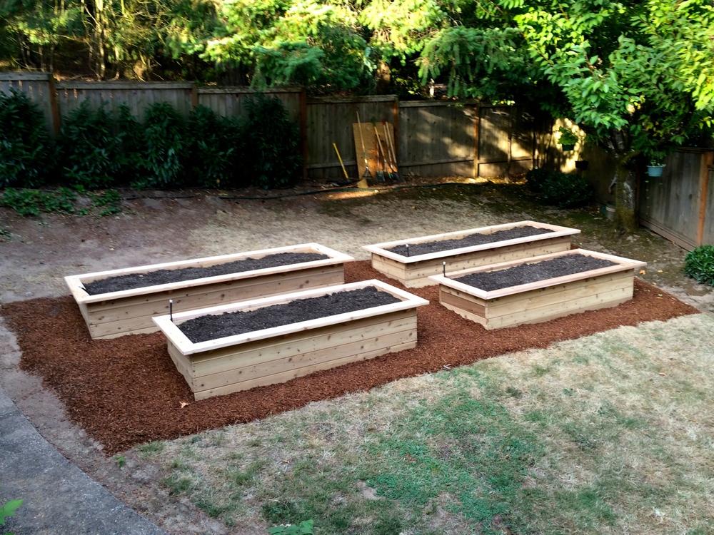 Raised garden beds portland edible gardens raised - Best mulch for raised bed vegetable garden ...