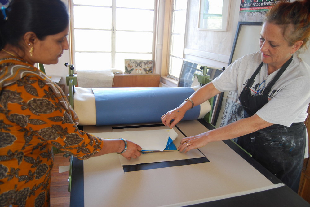 Pushpa Kumari and Jan Palethorpe printing.
