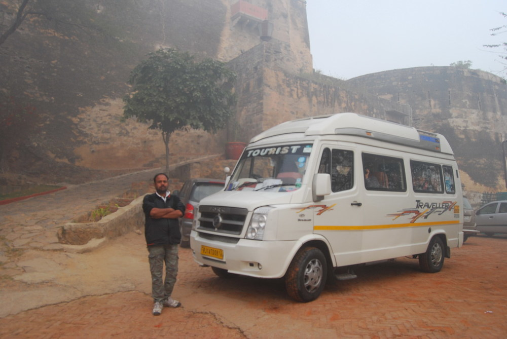 Tourer for country travel with driver Raju