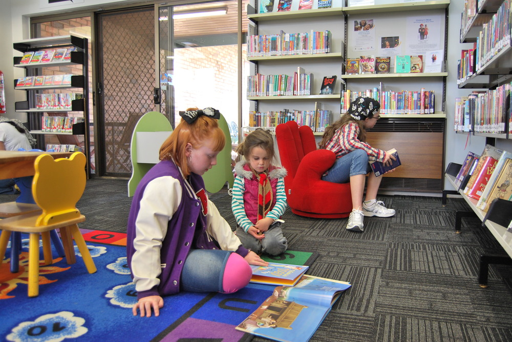 rhymetime, yarraville library - Mamma Knows West