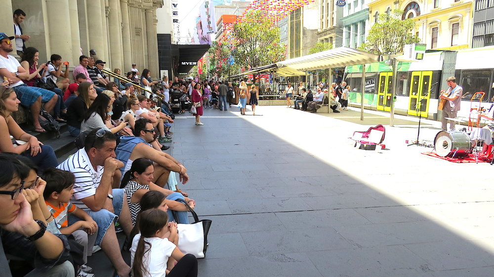 GPO crowd at busk.JPG
