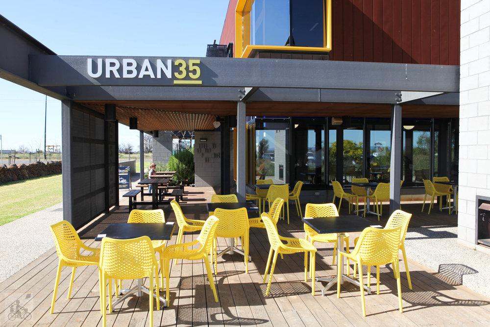 urban 35 - mamma knows west