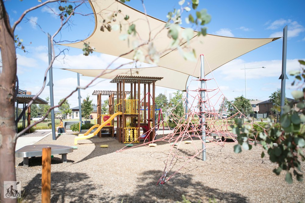 mainview boulevard reserve (playground & dog park) - mamma knows west