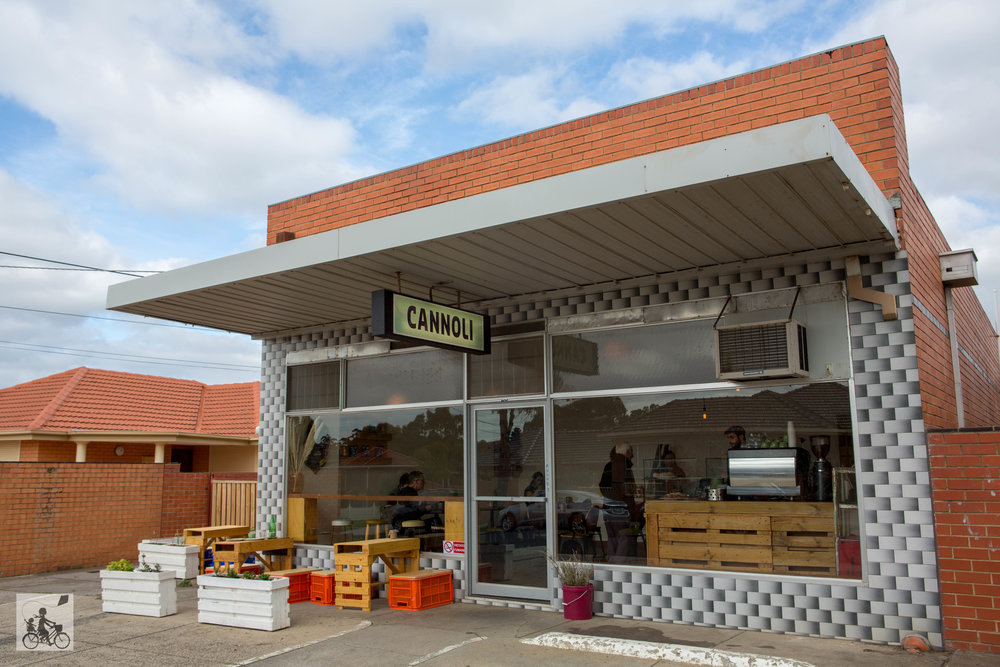 Cannoli Bar   - Mamma Knows West (1 of 22).jpg