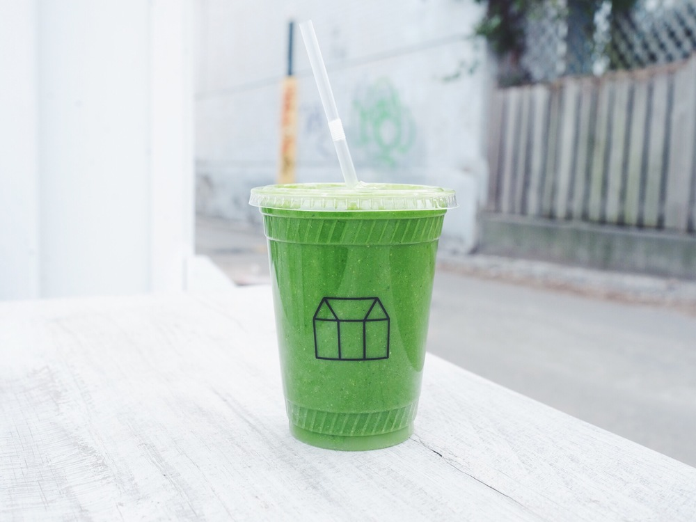 """Leo"" Smoothie from Greenhouse Juice: Kale, Kiwi, Matcha Ninja, Hemp Seeds, Ginger, Lime, Banana & Coconut Water"