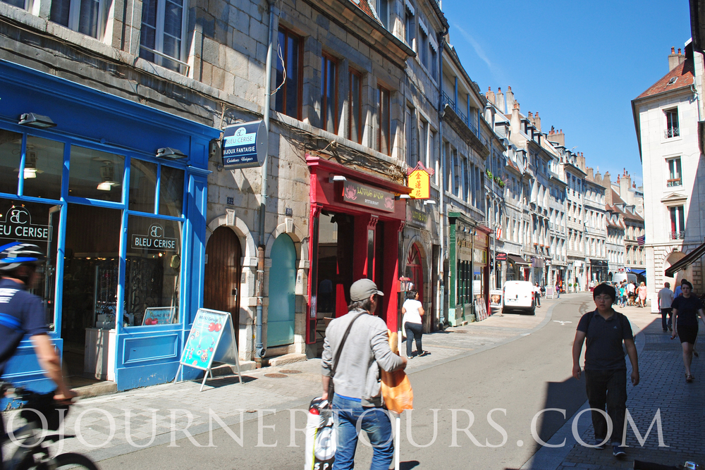 French Language & Culture Immersion: Sojourner Tours