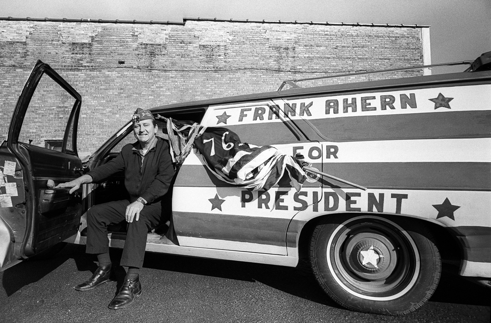 Frank Ahern campaigns for president in 1976