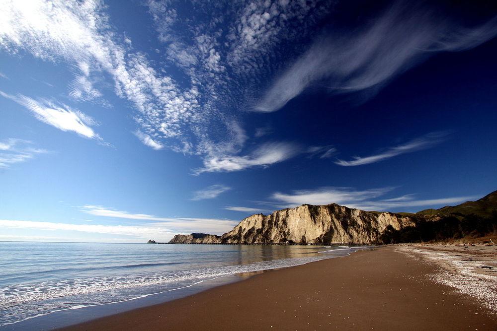 Beach New Zealand.jpg