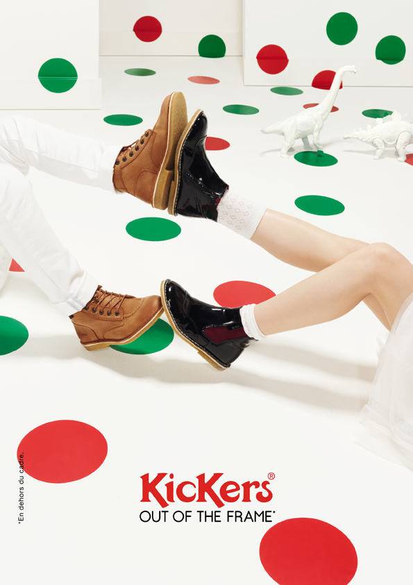 kickers-publicité-marketing-affiches-prints-rouge-vert-chaussures-homme-femme-enfant-out-of-the-frame-agence-la-chose-paris-3.jpg