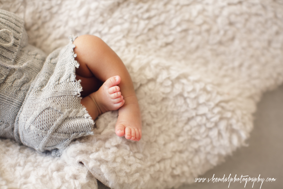 LOS-ANGELES-BABY-PHOTOS-MATERNITY-NEWBORN-PHOTOGRAPHY-VALERIE-KENDAL-V-KENDAL-PORTRAIT-STUDIO2786.JPG