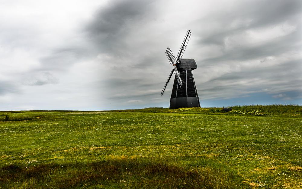 MarilynTyzack_06_Rottingdean windmill_2000.jpg