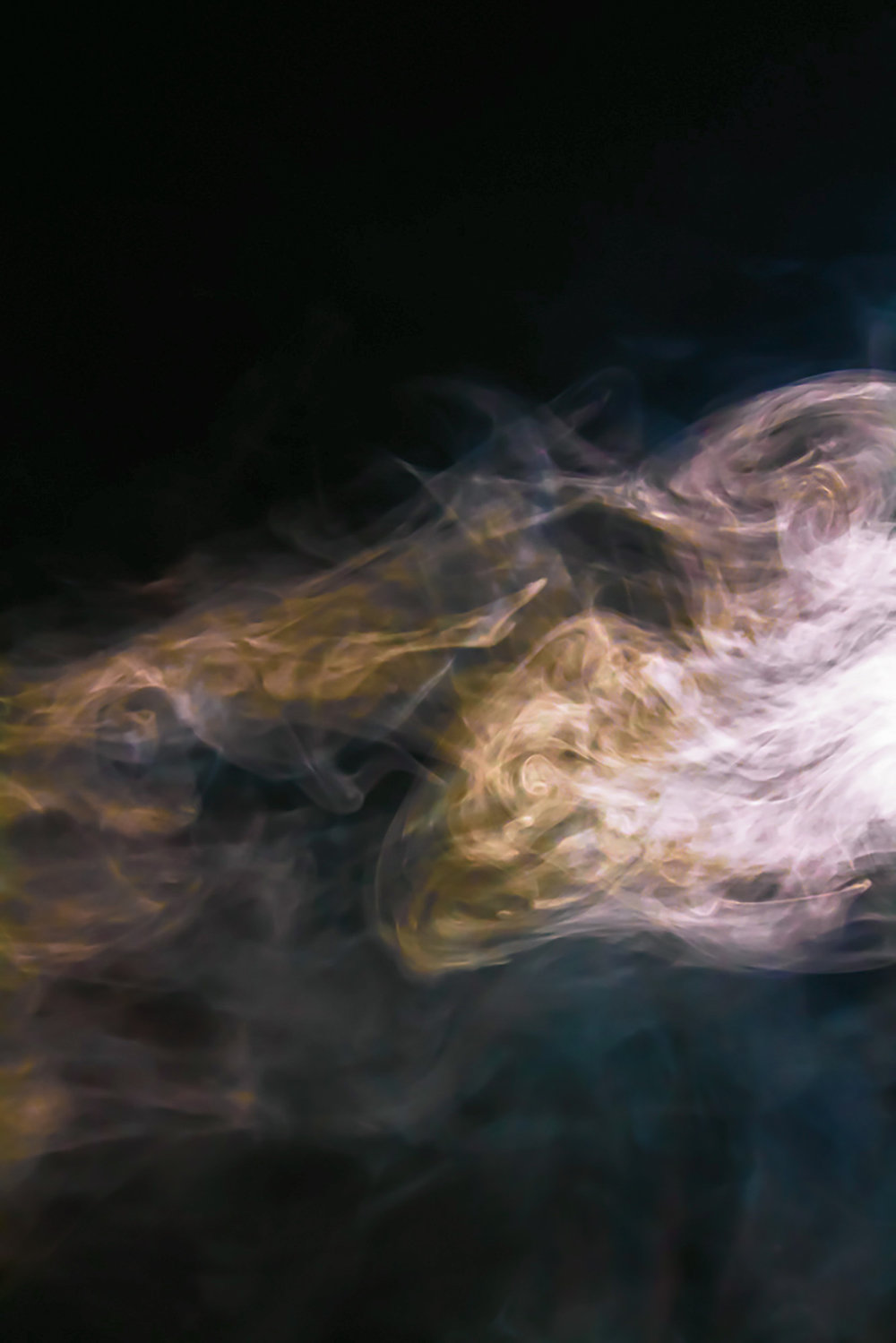 lorrainepinkerton_01_smoke_2000px.jpg