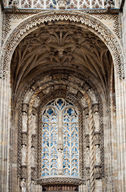 LorrainePinkerton_05_architecture.jpg