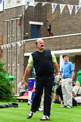 Willie.Thorne.Mini_.Masters.2009-right.jpg