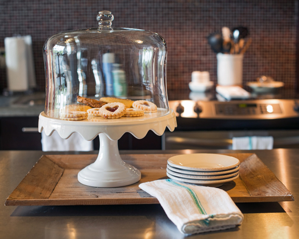 cake stand_The LovingKind
