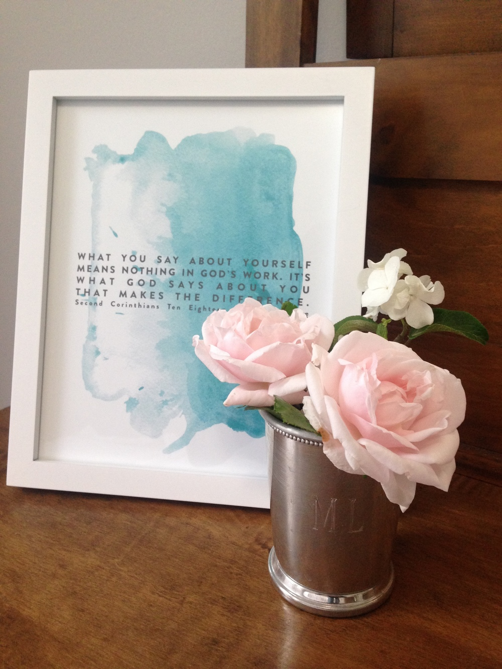 We want our guests to feel so loved when they stay in our home. One of the ways we accomplish this in our guest room is by putting fresh flowers from our garden and positive words to encourage them! (Print by Naptime Diaries)