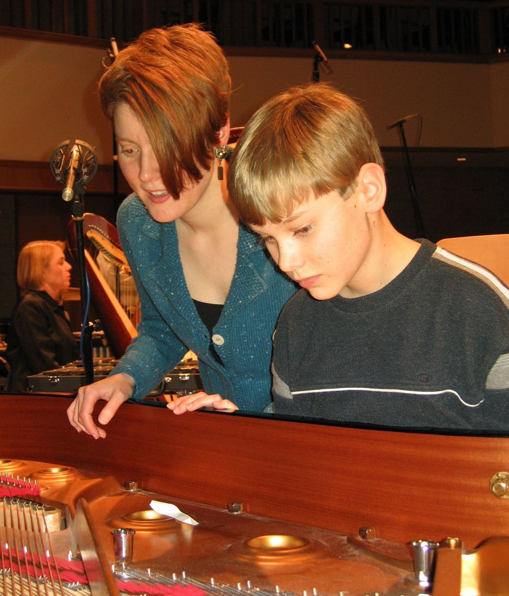 singing into the piano with Justin Murray.  photo: Steve Bruns