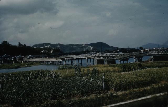 52.8.Sinking Bridge Iwakuni.jpg