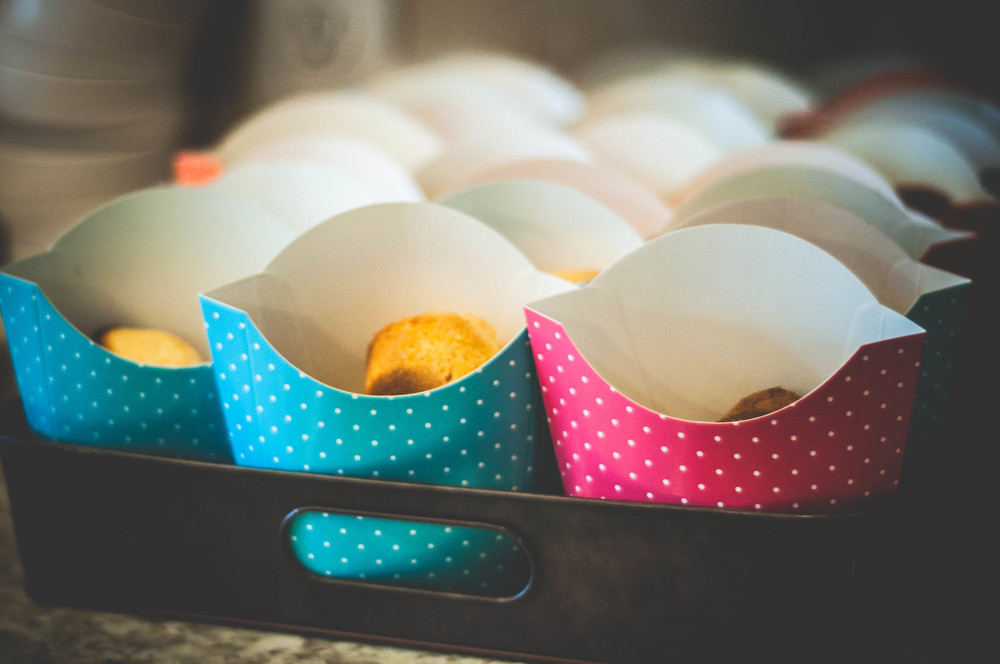 "Mini cornbread muffins for the chili in these adorable polka dot ""french fry"" boxes"
