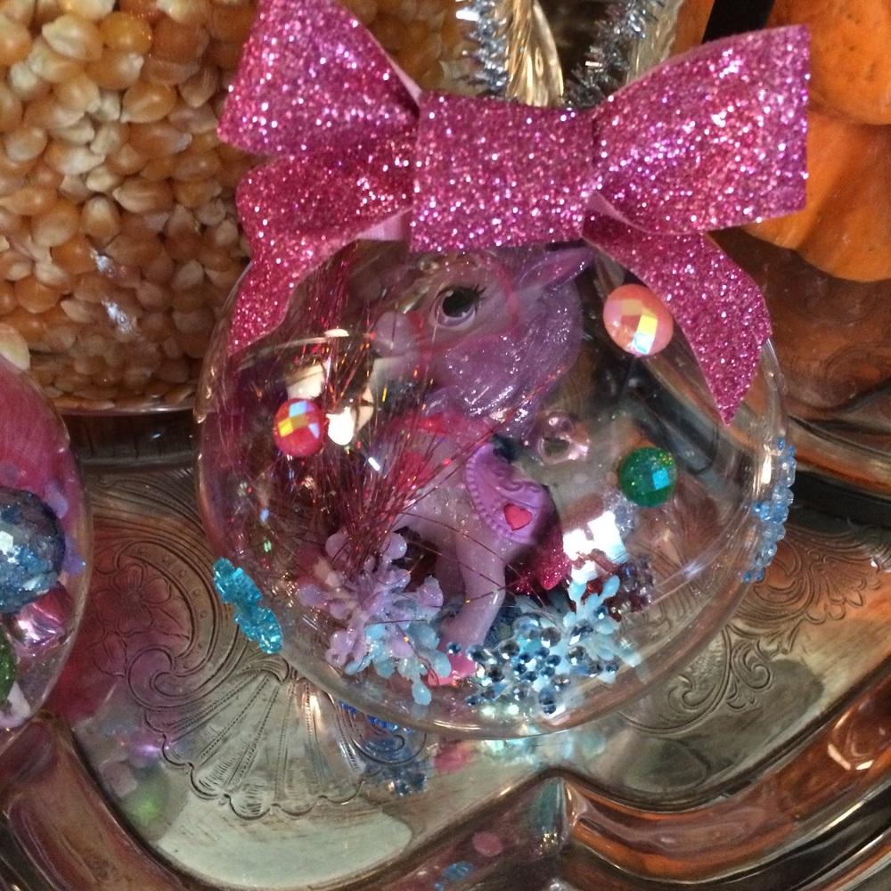 Adorable Palace Pet ornament!