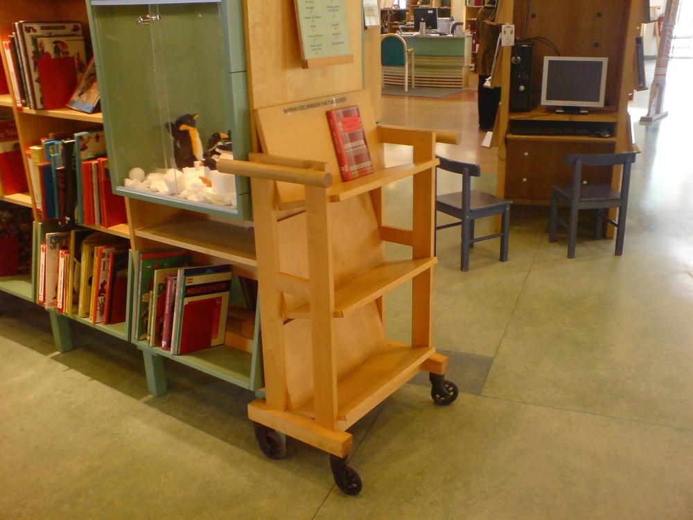 Bokvagn för bibliotek