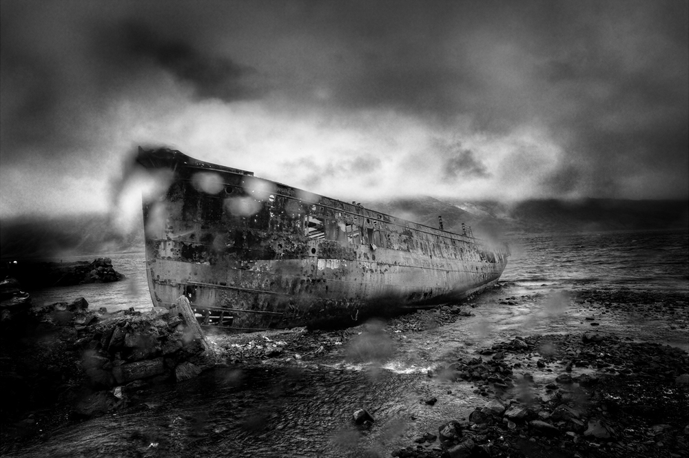 Ship Aground  |  Archival pigment print  109x73cm