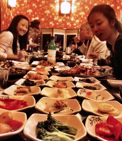 April 11, 2011   At Sura Korean Restaurant in Oakland with Digi TV crew.