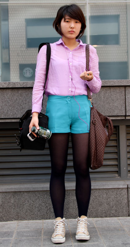 Lavender and turquoise. Seoul street styles.