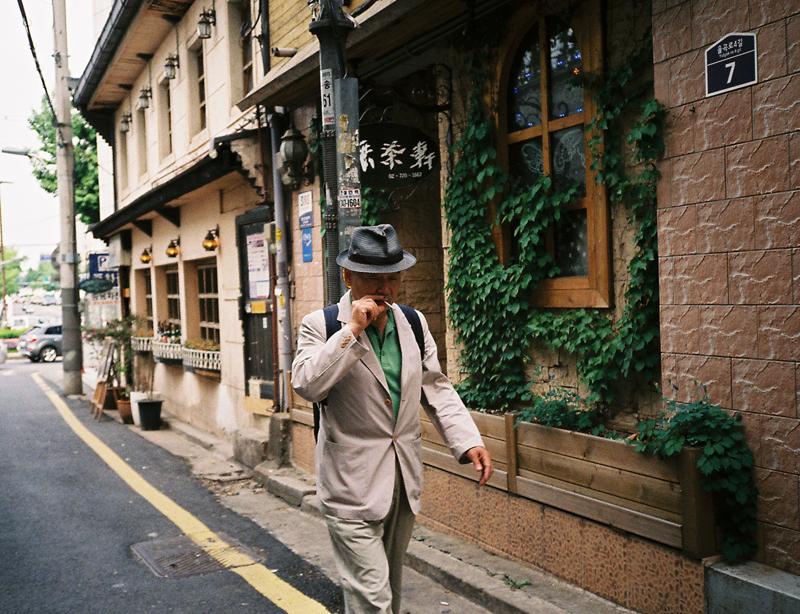 Smoker in Seoul.