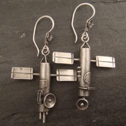Satellite-Earrings-by-Chuck-Dimotrovich1