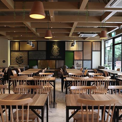 Burger king 39 s fresh start opens family restaurant for Quick home bar design ideas
