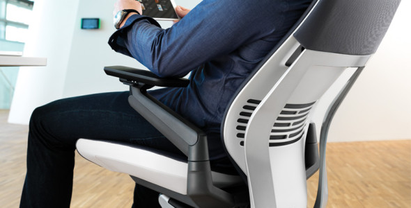ergonomical-win-steelcases-gesture-chair