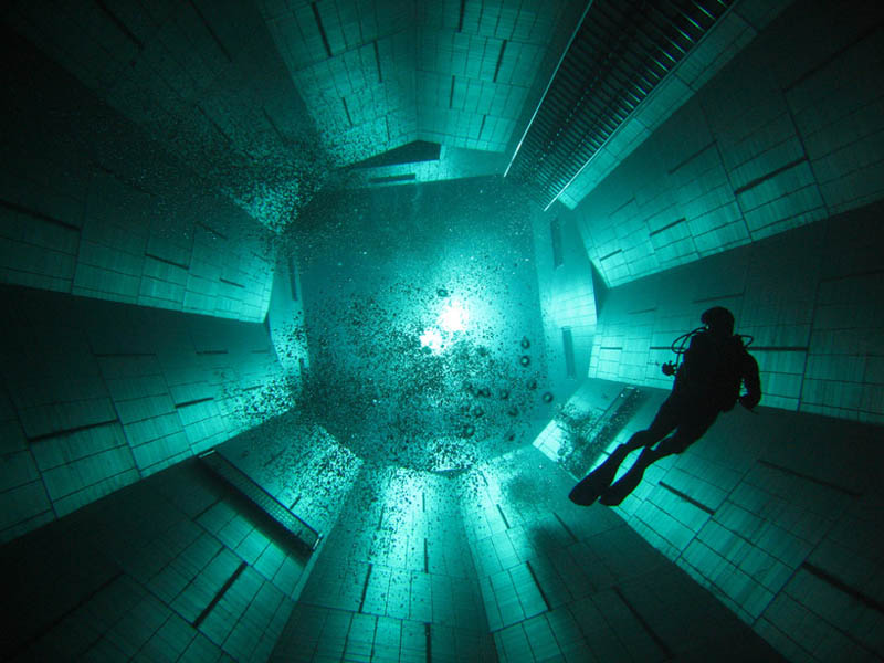 nemo-33-worlds-deepest-swimming-pool1
