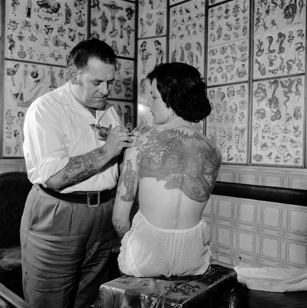 oldschool_photos_of_women_rocking_tattoos_640_high_07