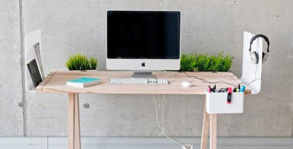 Polish designer Wiktoria Lenart developed this really cool and versatile work  desk.