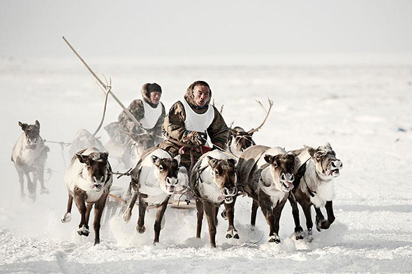 photographs-of-vanishing-tribes-before-they-pass-away-jimmy-nelson.jpg