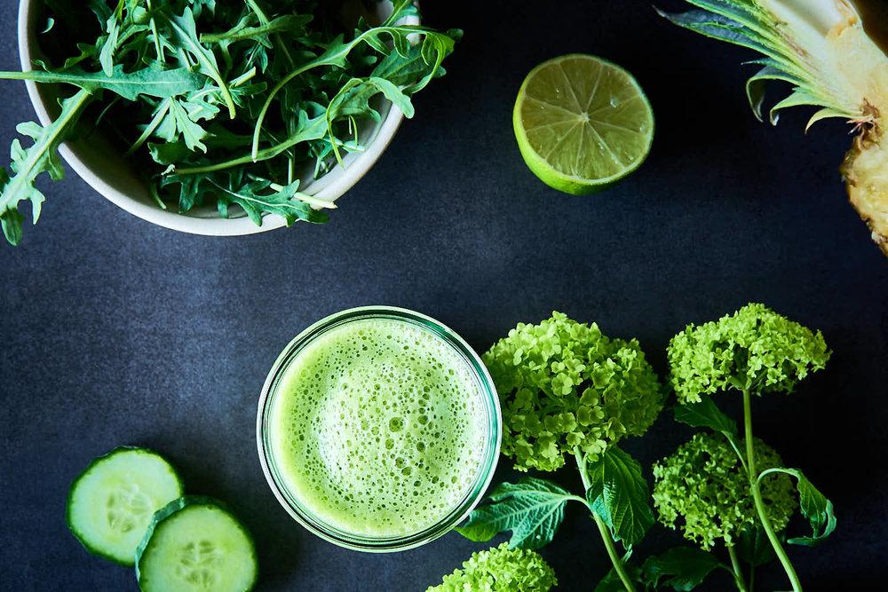 Rucola-Ananas-Smoothie mit Gurke - grüner Frischmacher