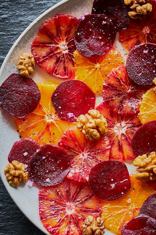 Orangen-Rote Beete-Carpaccio mit Walnüssen