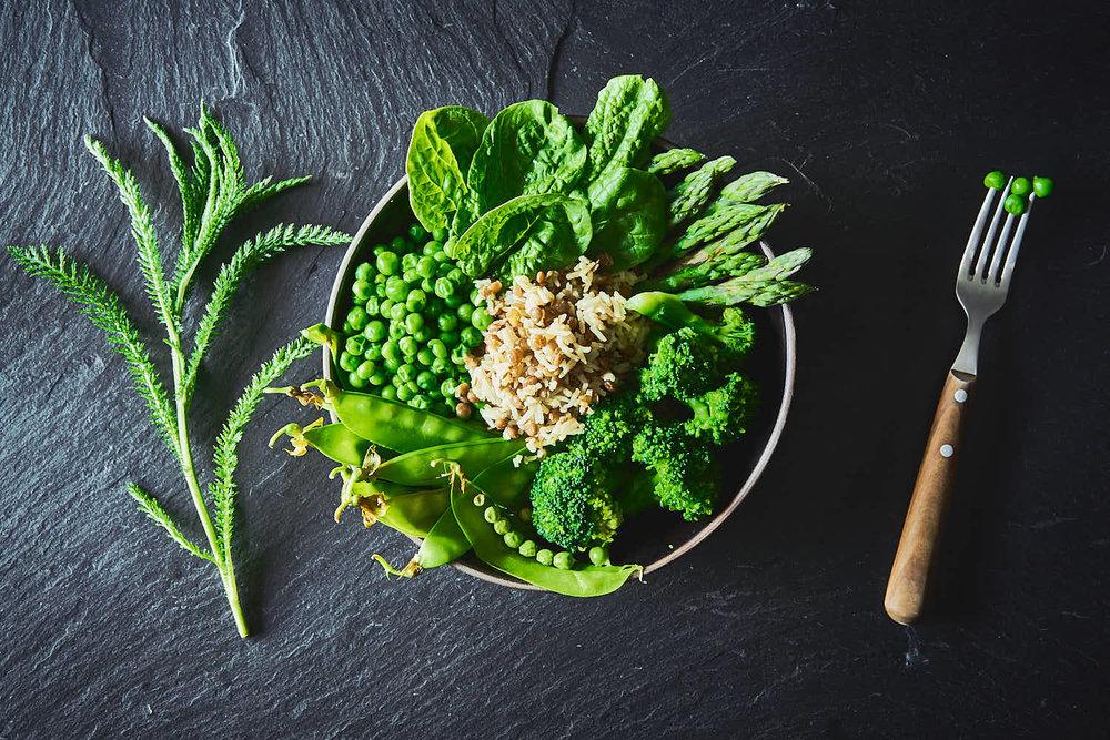 Arabischer Kreuzkümmel-Linsen-Reis mit grünem Gemüse
