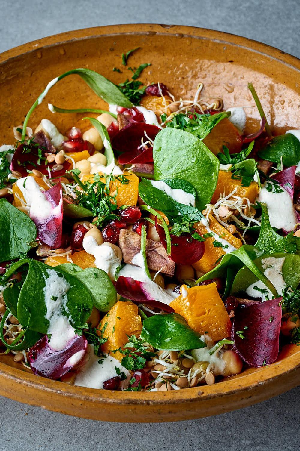 Kichererbsen-Spinat-Salat mit Sprossen & Rote Beete