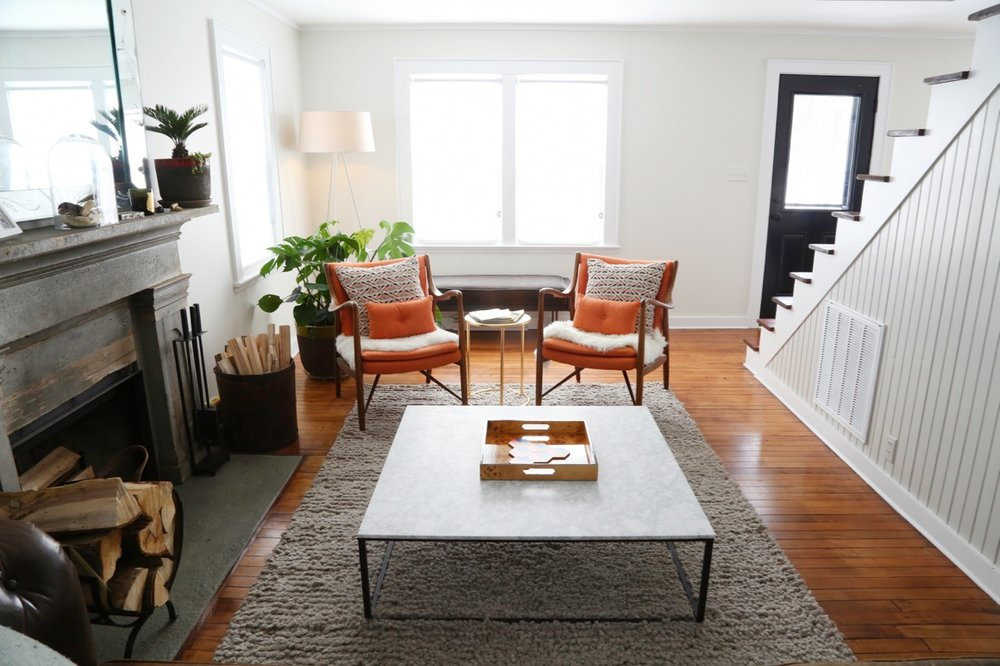 WILLOW COTTAGE LIVING ROOM FIREPLACE NOT LIT 2_ESCAPE BROOKLYN.jpg
