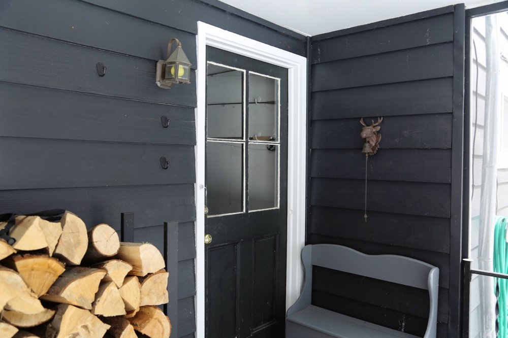WILLOW COTTAGE SIDE PORCH 2_ESCAPE BROOKLYN.jpg