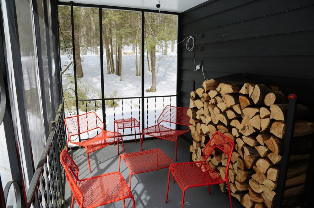 WILLOW COTTAGE SIDE PORCH 6_ESCAPE BROOKLYN.jpg
