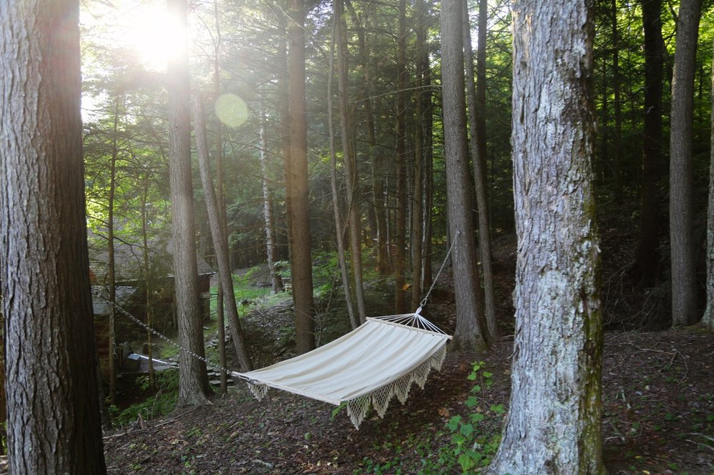 HUCKLEBERRY HOUSE TREEHOUSE HAMMOCK 3_ESCAPE BROOKLYN.jpg