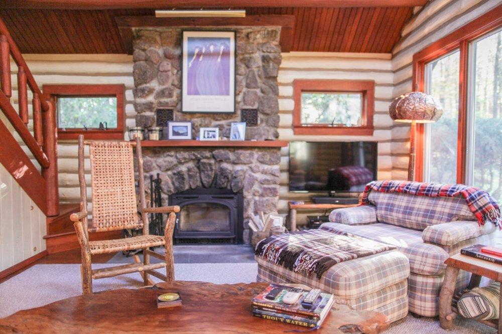 Blue Deer Cabin, Claryville