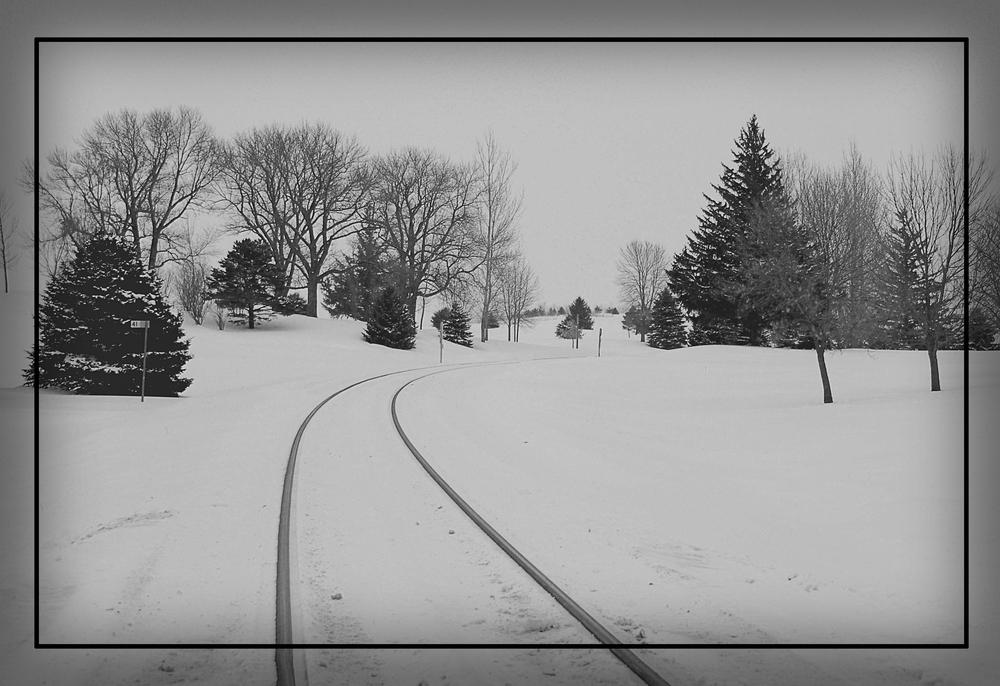 Rail road tracks.jpg