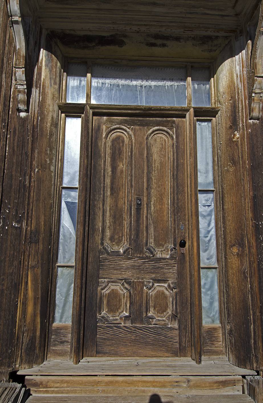 Front door to the James Stuart Cain residence.