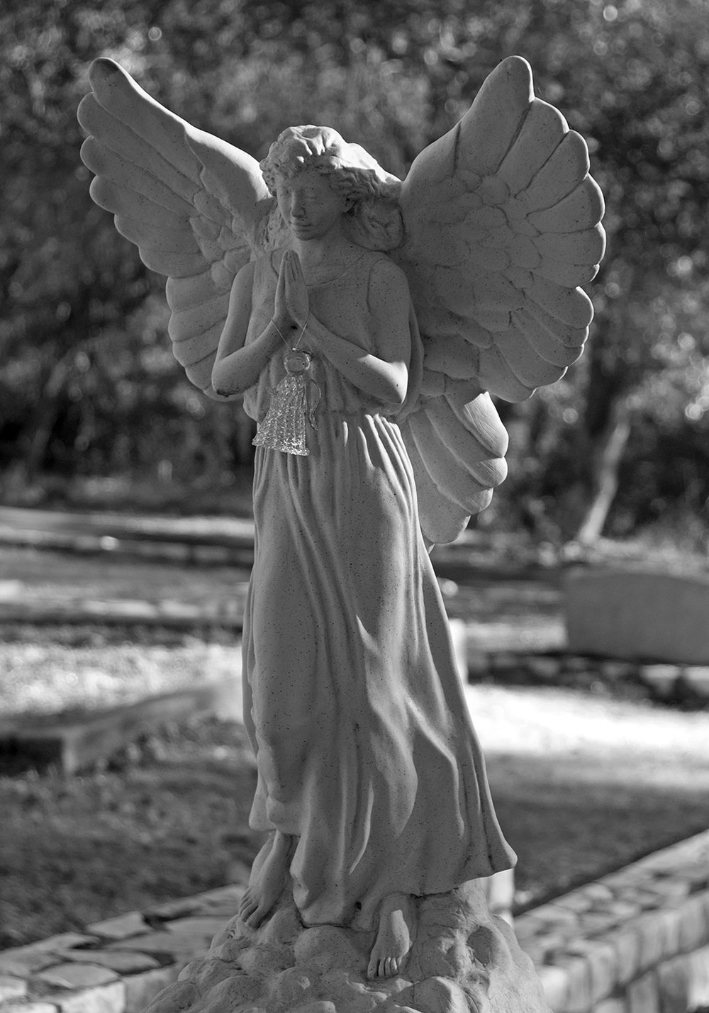 Columbia Cemetery Winged Angel.jpg