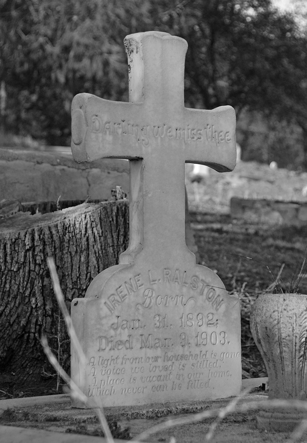Coulterville Public Cemetery Cross.jpg